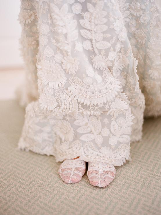 Crochet-oscar-de-la-renta-wedding-dress.full