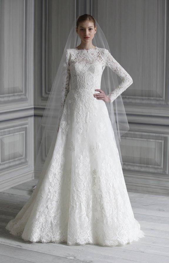 all-lace wedding dress inspired by Kate Middleton