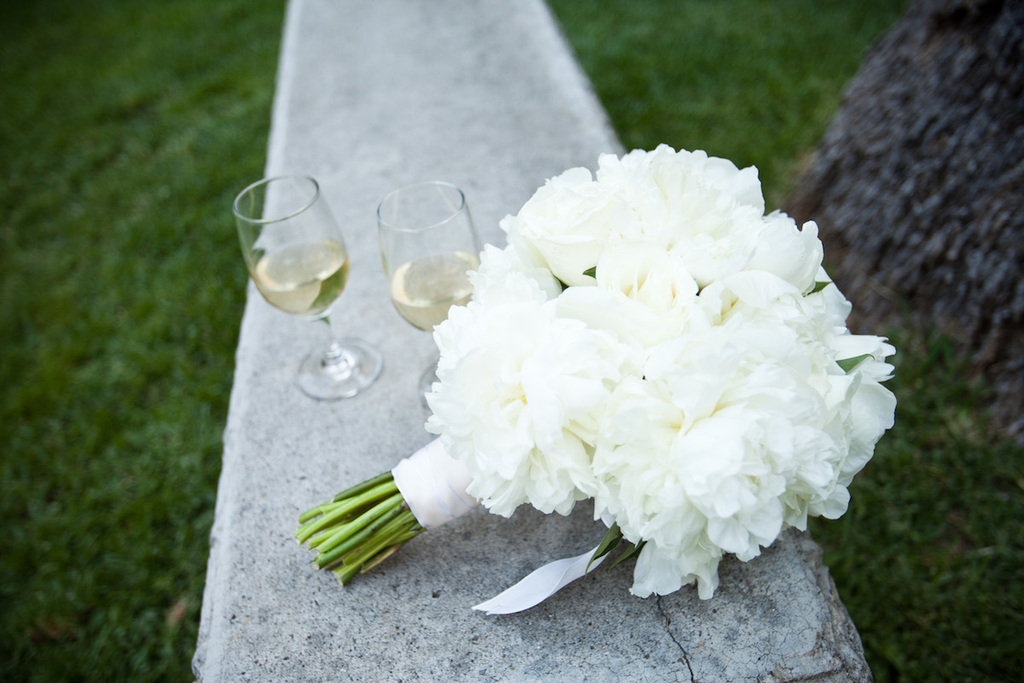 Classic-wedding-bouquet-of-ivory-peonies-and-roses.full
