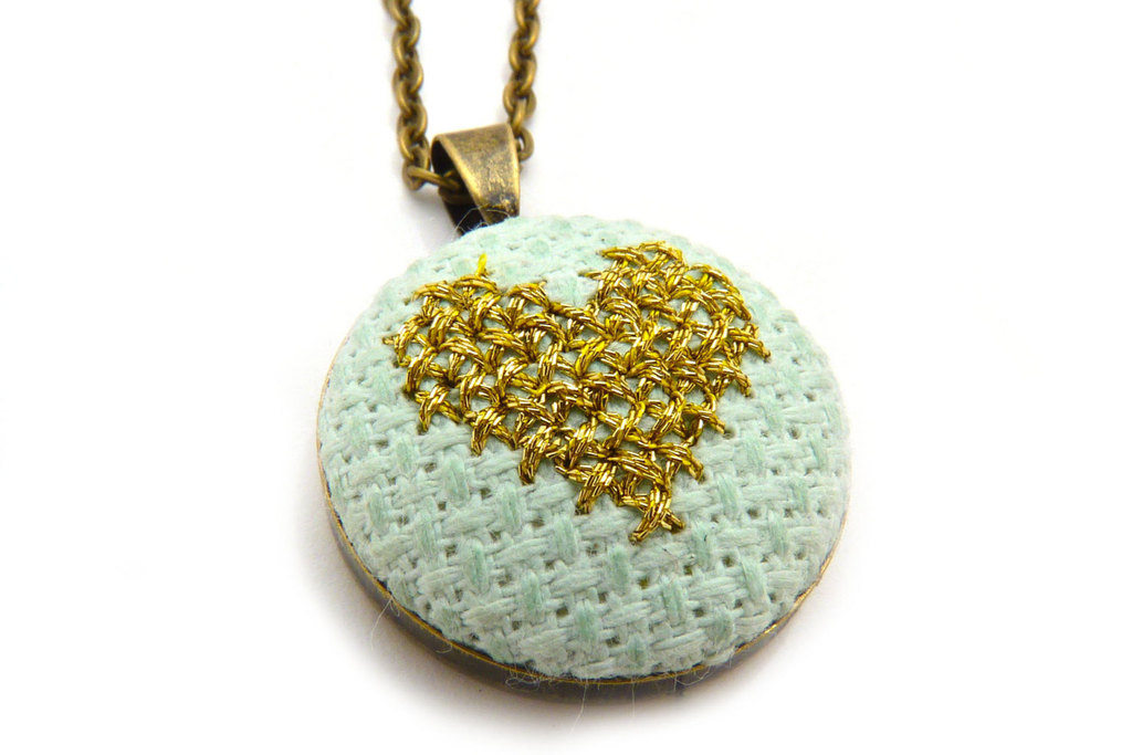 Pale-aqua-and-gold-bridesmaids-necklace.full