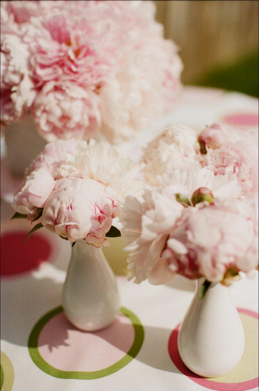 Summer-wedding-flowers-romantic-peonies.full