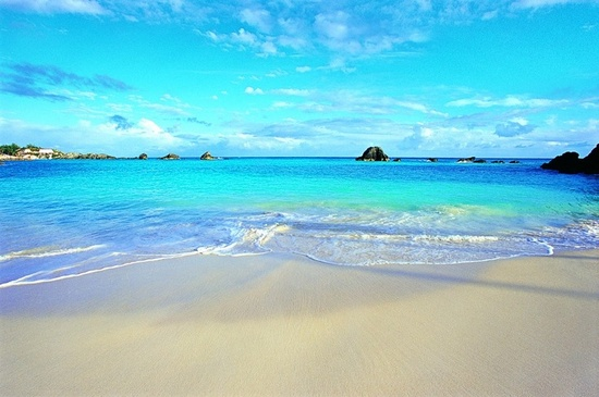 photo of Honeymooning in Bermuda wedding planning tips 5