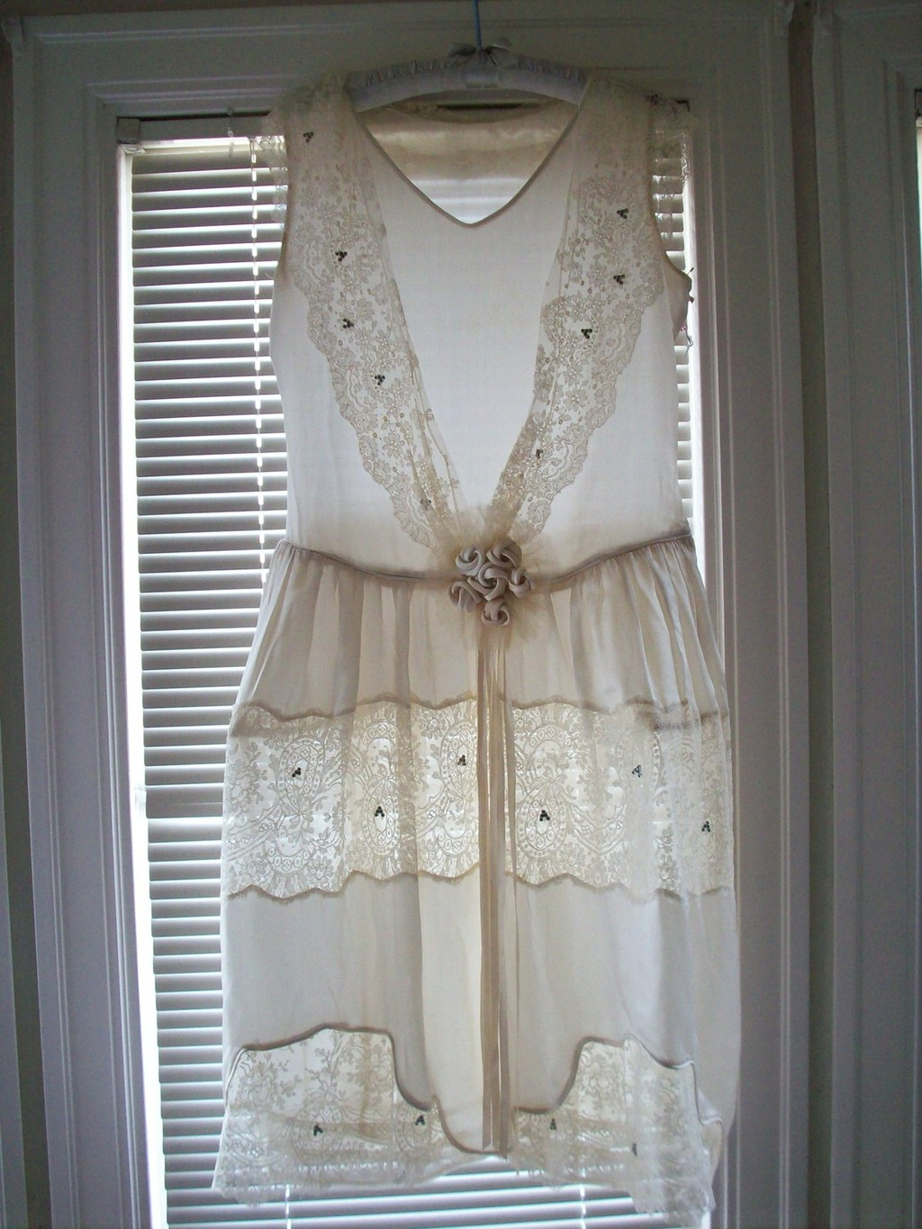 Vintage-lace-wedding-reception-dress.full