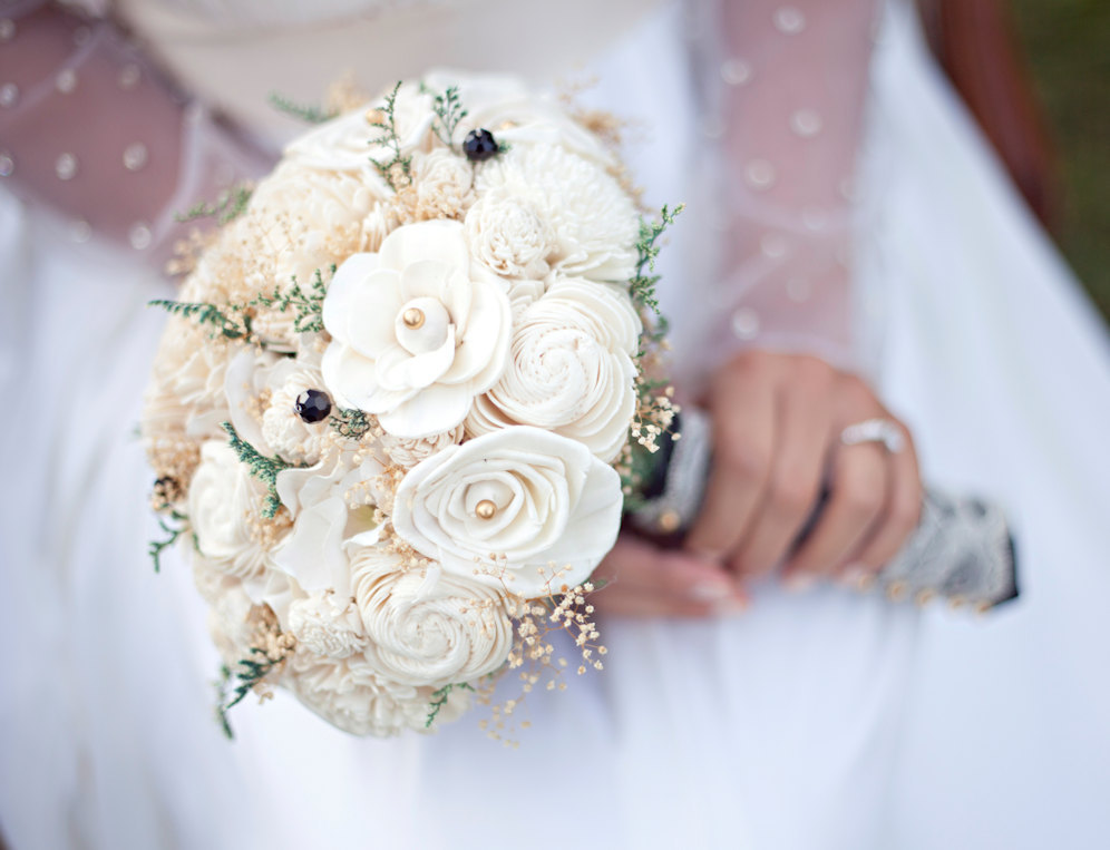 Ivory-sola-flowers-wedding-bouquet.full