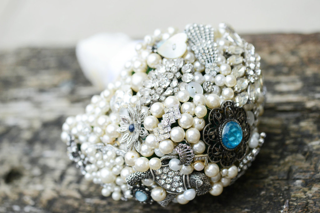 Vintage-pearl-and-crystal-wedding-bouquet-with-something-blue.full