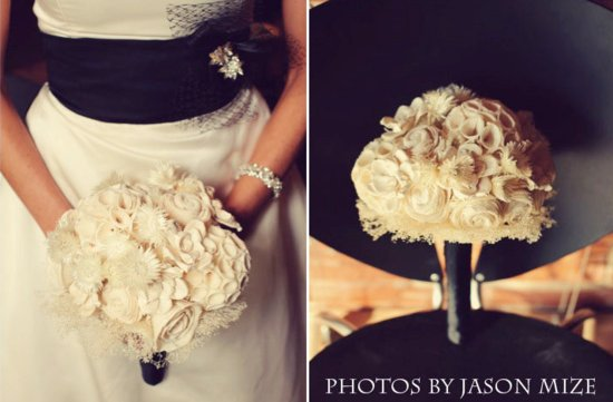 Tapioca wood bouquet in cream and black