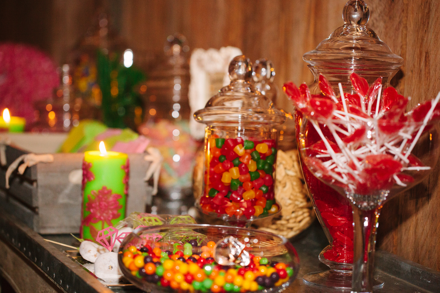Bright sweet wedding reception candy bar for Candy bar for weddings receptions