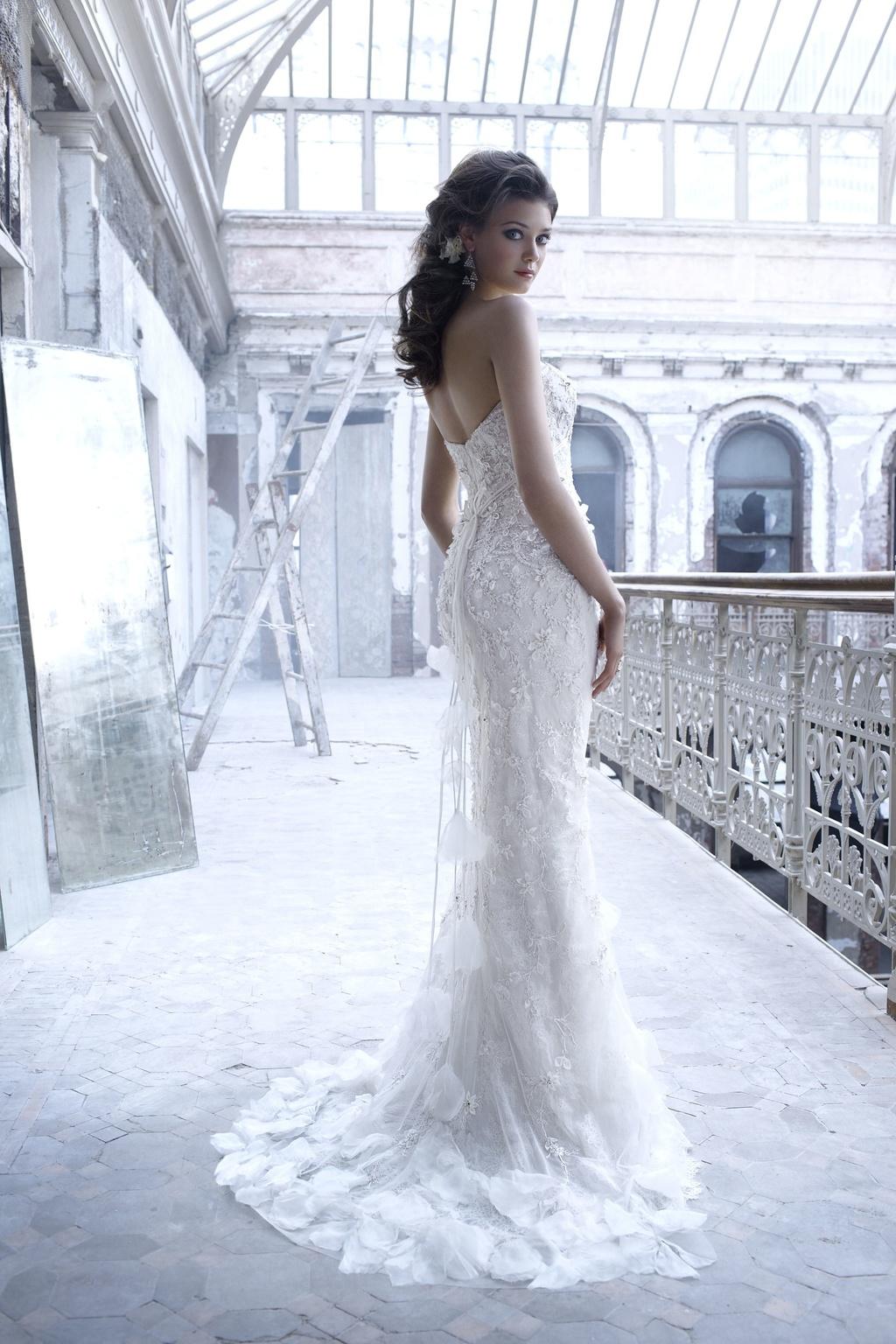 Wedding-dress-fall-2011-bridal-gowns-lazaro-3156-back.full