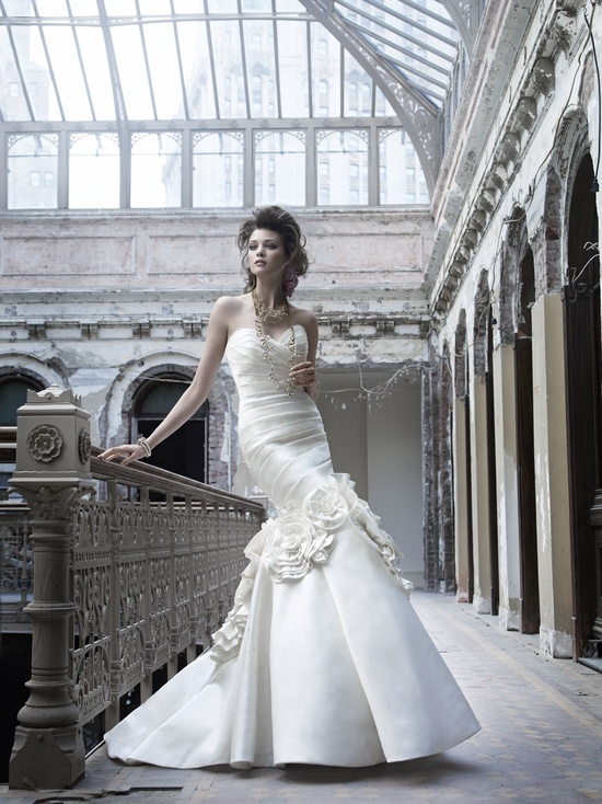 Classic sweetheart mermaid wedding dress, fall 2011