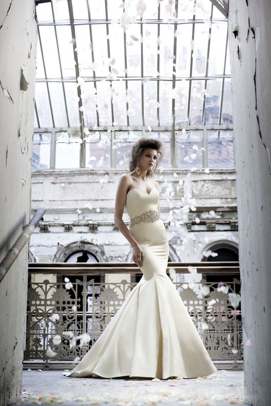 Sleek mermaid wedding dress with bridal belt