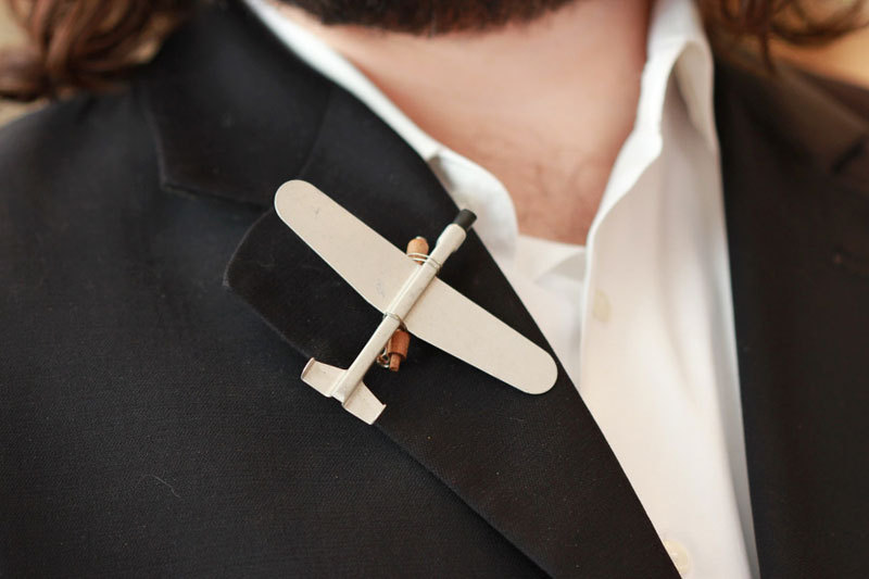 Unique-groom-boutonnieres-by-the-ritzy-rose-6.full