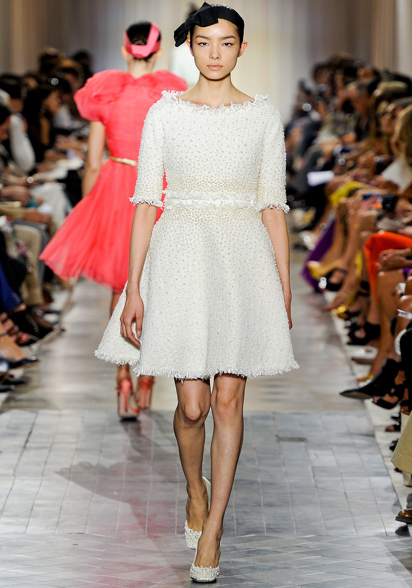 Giambattista-valli-couture-wedding-reception-dress-sleeves.full