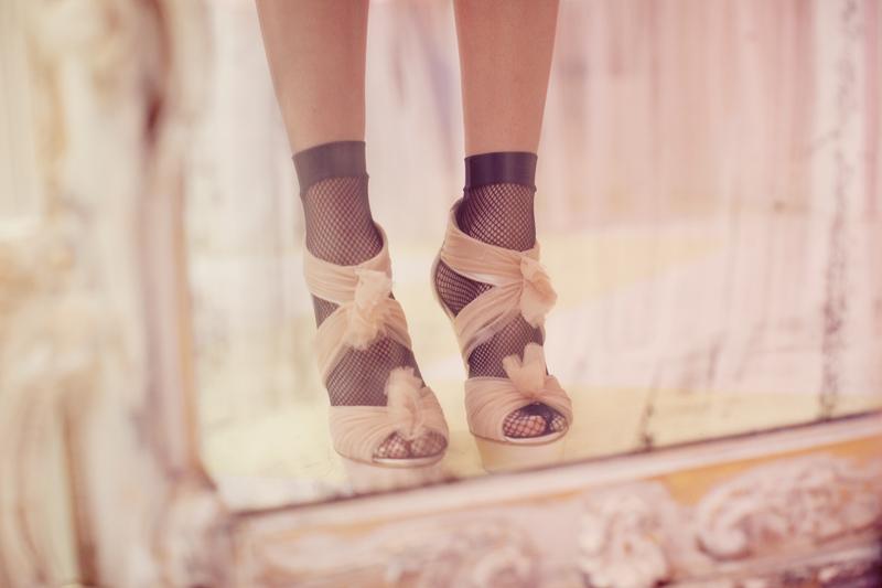 Open-toe-bridal-heels-retro-wedding-style.full