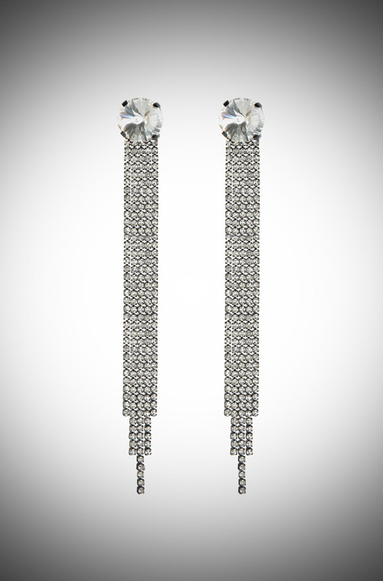 Vintage-inspired long bridal earrings