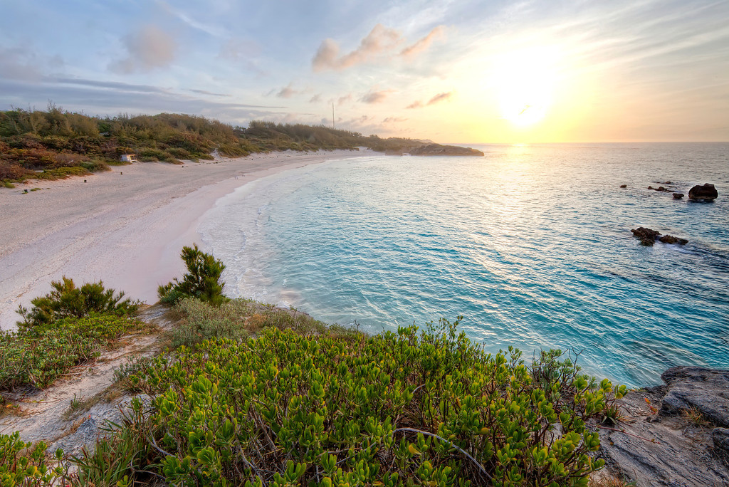 Horseshoe-bay-bermuda-at-sunset.full