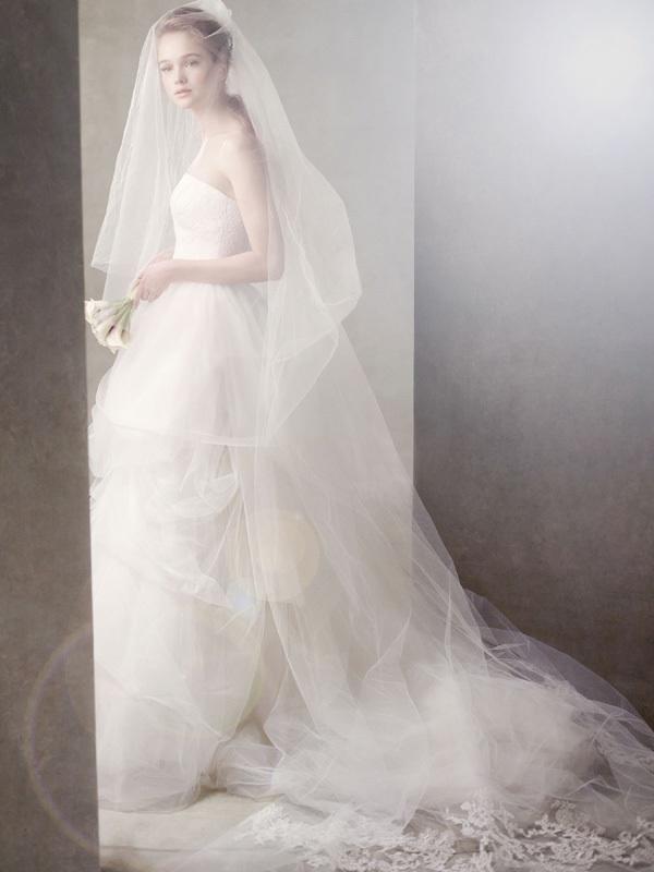 Wedding-dress-white-by-vera-wang-bridal-gowns-351065.full