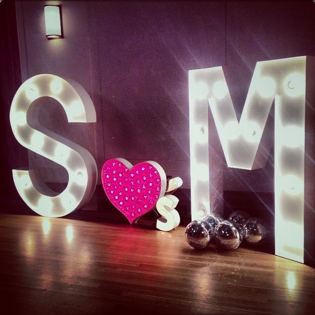 heart apostrophe s marquee wedding sign