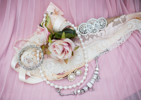Blush garter and crystal and pearls bridal jewelry