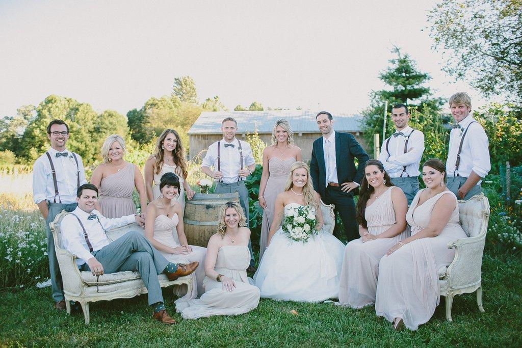 Ivory lounge outdoor wedding photo shoot for Wedding dress rentals portland oregon
