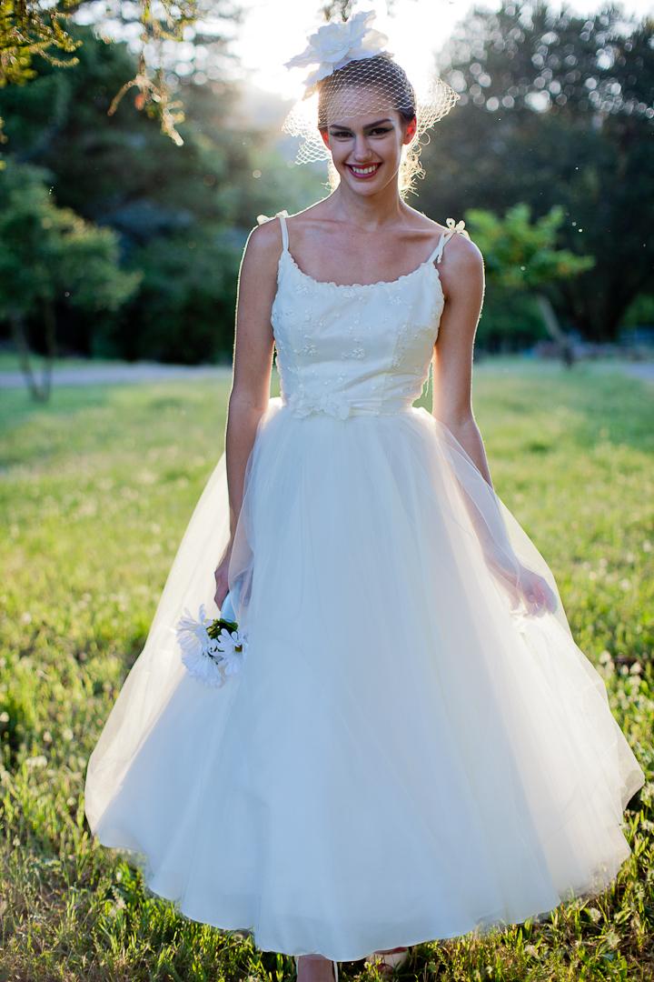 Tea-length-wedding-dress-birdcage-veil.full