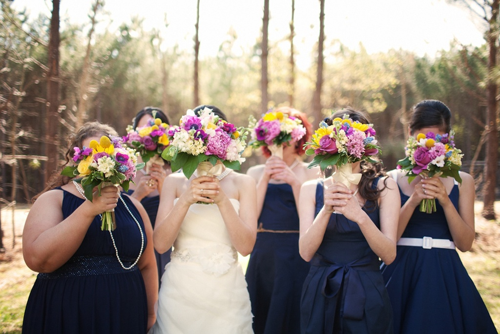 Real-weddings-bridal-bouquet-bridesmaids.full