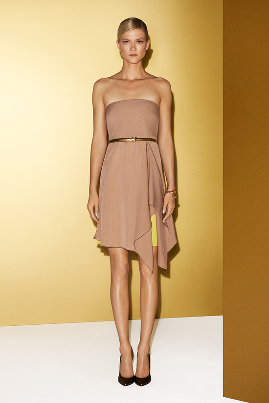 Chic nude Gucci bridesmaid dress with skinny belt