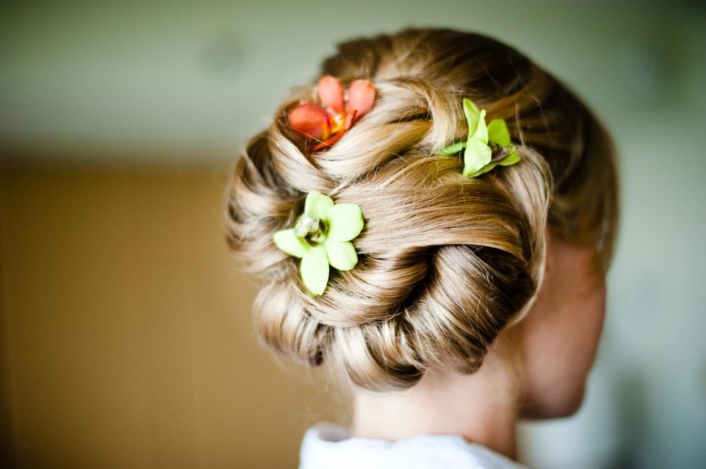 Beach-wedding-classic-bridal-updo-chignon-wedding-flowers-tropical.full