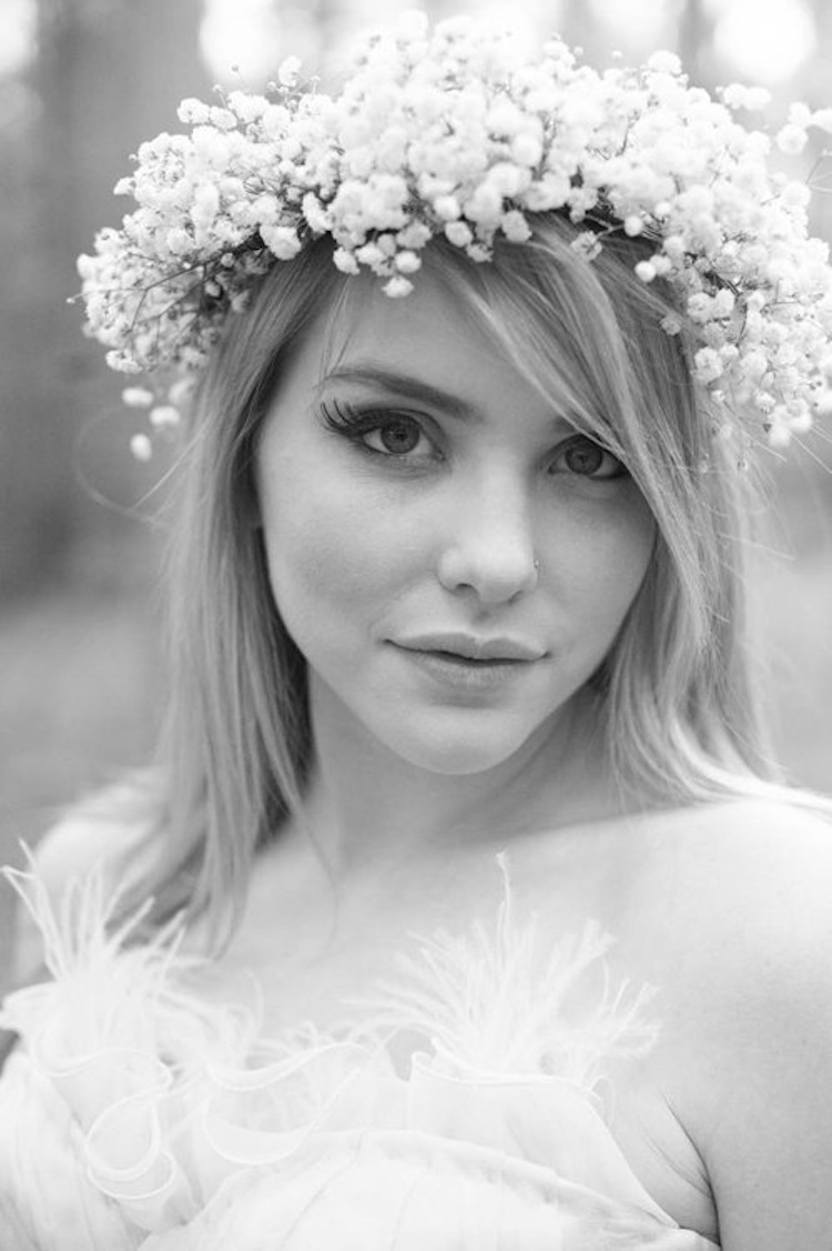 Alice_in_wonderland_bride_makeup.full