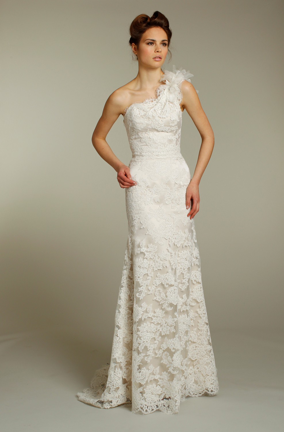 Romantic lace one shoulder jim hjelm wedding dress for Fall lace wedding dresses