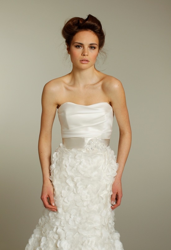 Romantic ivory sweetheart neckline Fall 2011 wedding dress with bridal sash