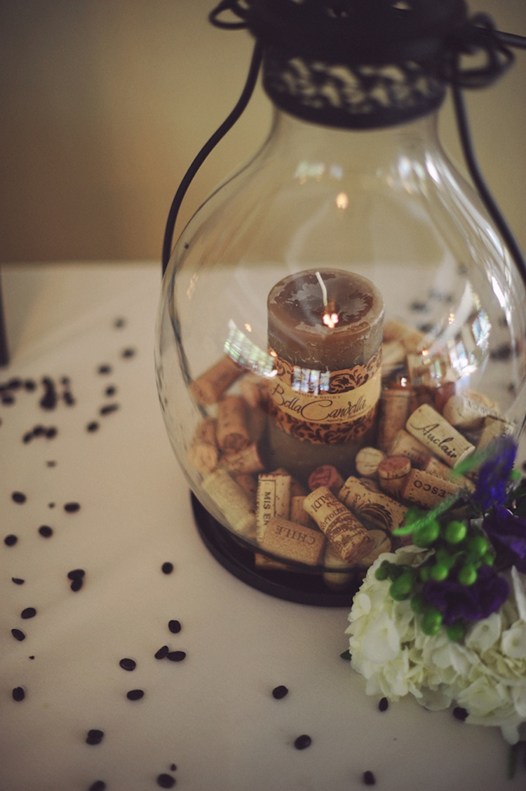 Lantern with wine corks rustic decor for Decorating with wine corks