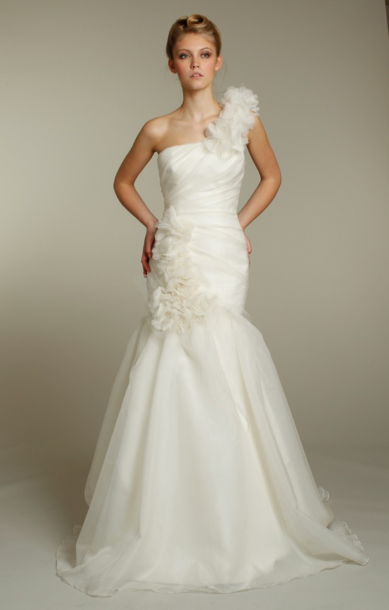 One-shoulder ivory mermaid wedding dress with romantic floral applique