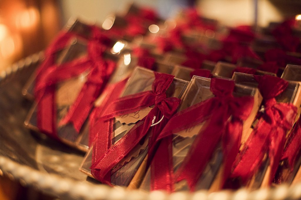 Fall-wedding-outdoor-wedding-ceremony-red-chocolate-brown-wedding-guest-favors.full