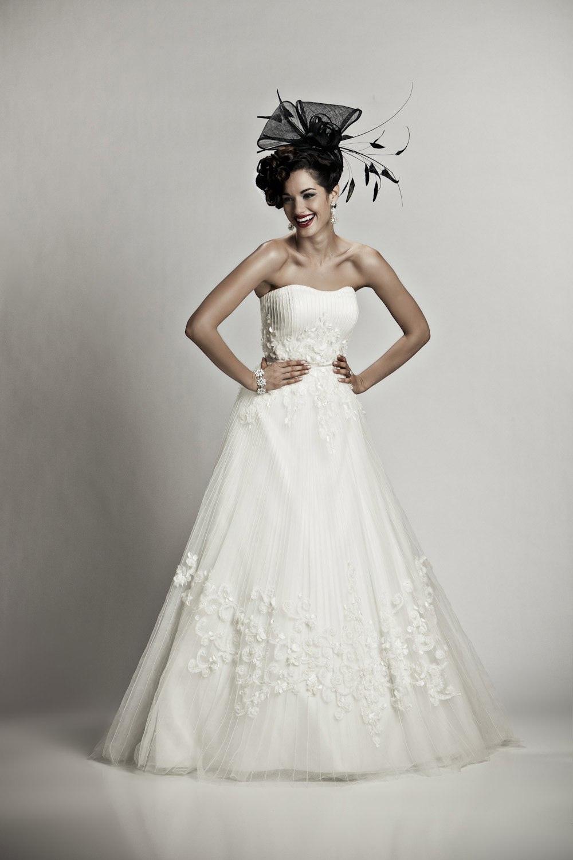 Classic-a-line-wedding-dress-embellished-skirt-tulle-beading-royal-wedding-inspired-wedding-hat.full