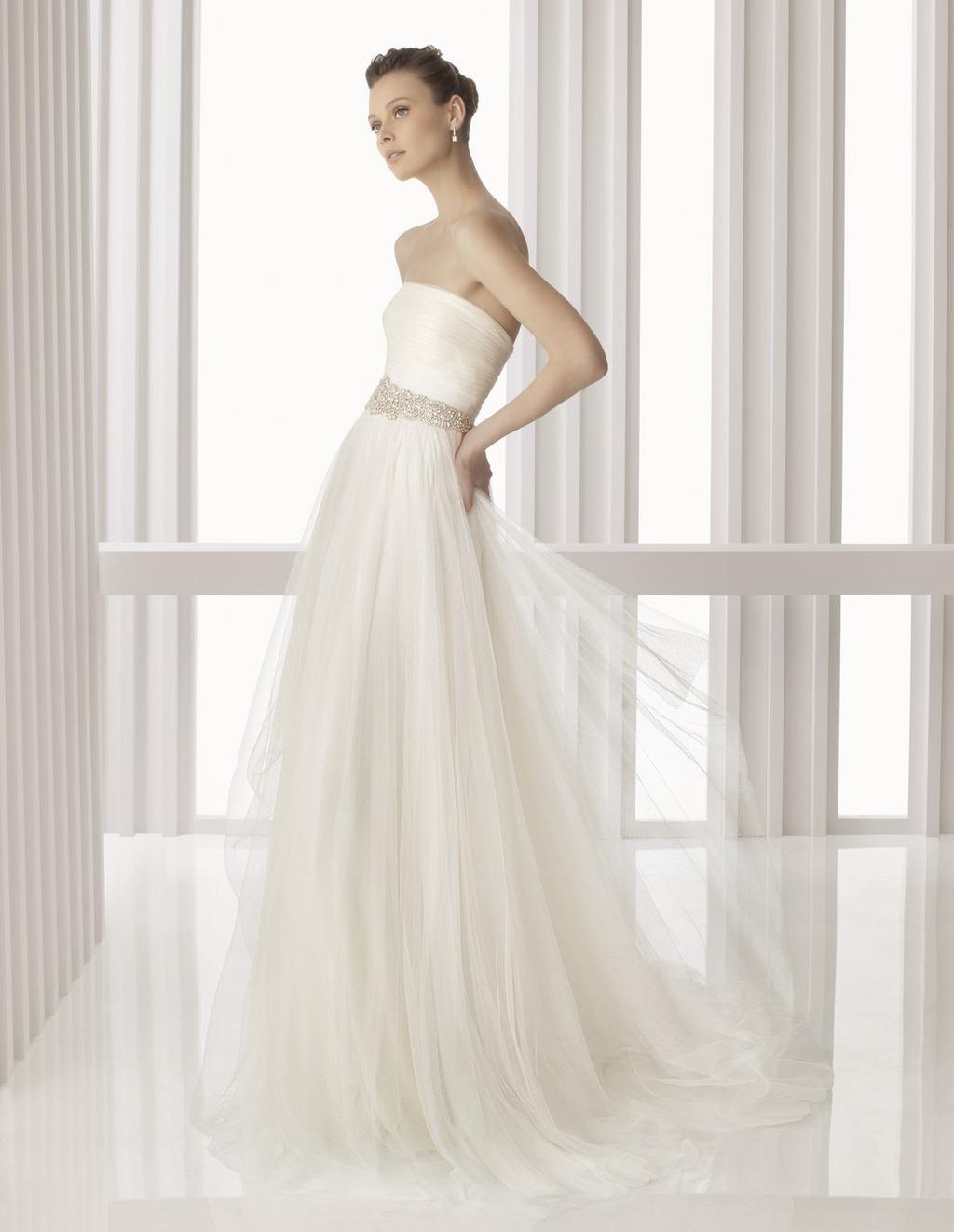 Amina-spring-2012-wedding-dress-rosa-clara-bridal-gowns-strapless-a-line-sheer-tulle-skirt-beaded-bridal-belt.full