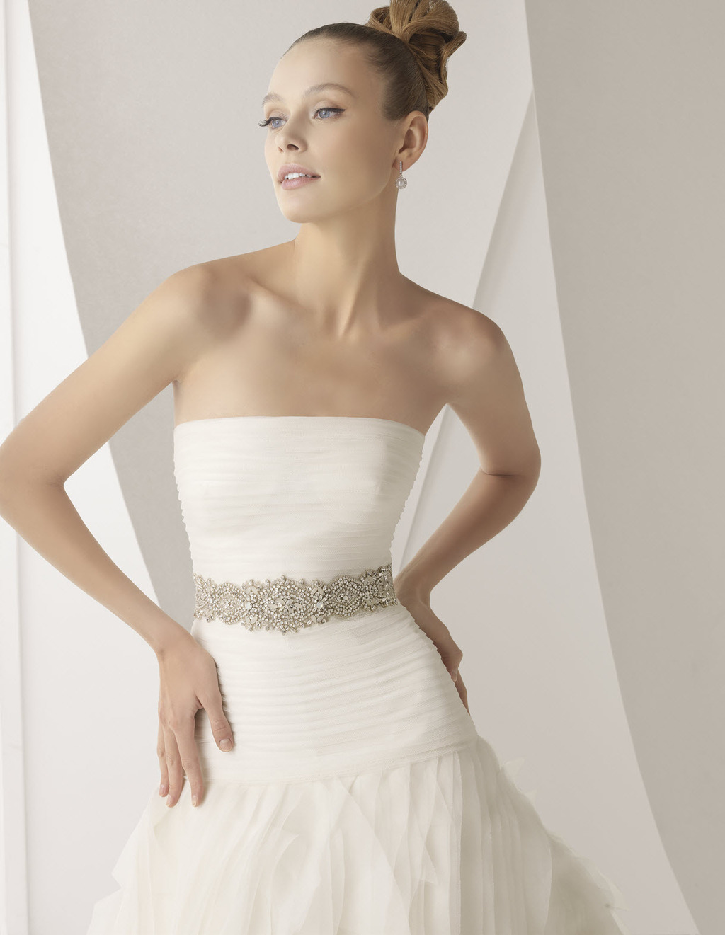 Classic and romantic strapless a line ivory wedding dress for Ivory wedding dress belt