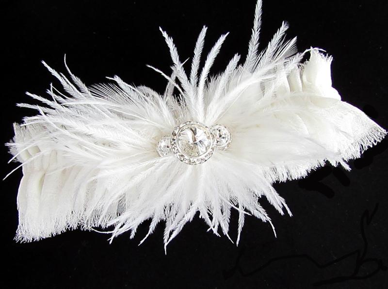 Feather-adorned-bridal-garter-wedding-accessories-handmade-wedding-ideas.full
