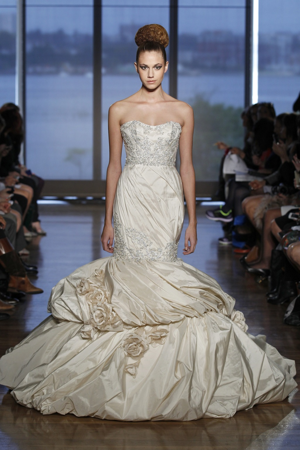 Aella_by_ines_di_santo_2014_couture_collection.full