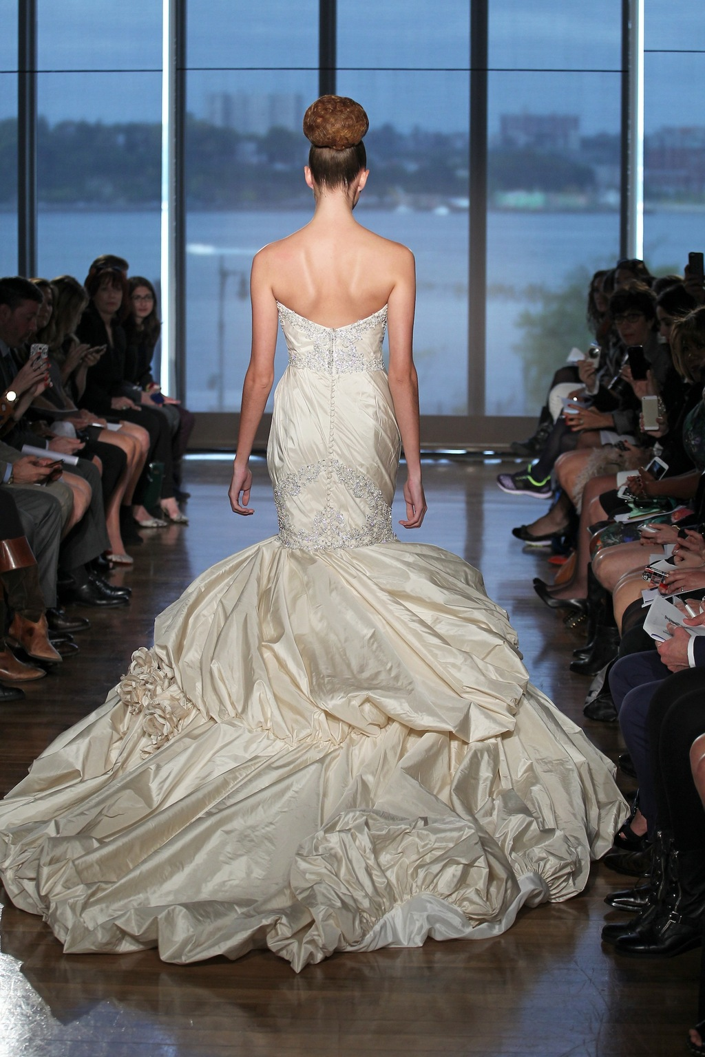 Aella_by_ines_di_santo_2014_couture_collection_2.full