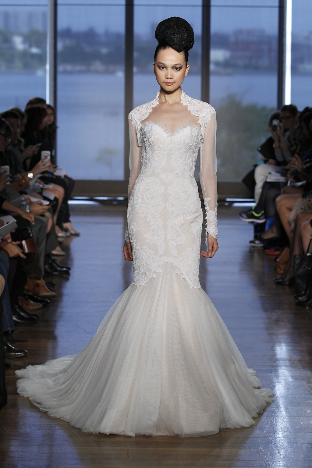 Airlia_by_ines_di_santo_2014_couture_collection.full