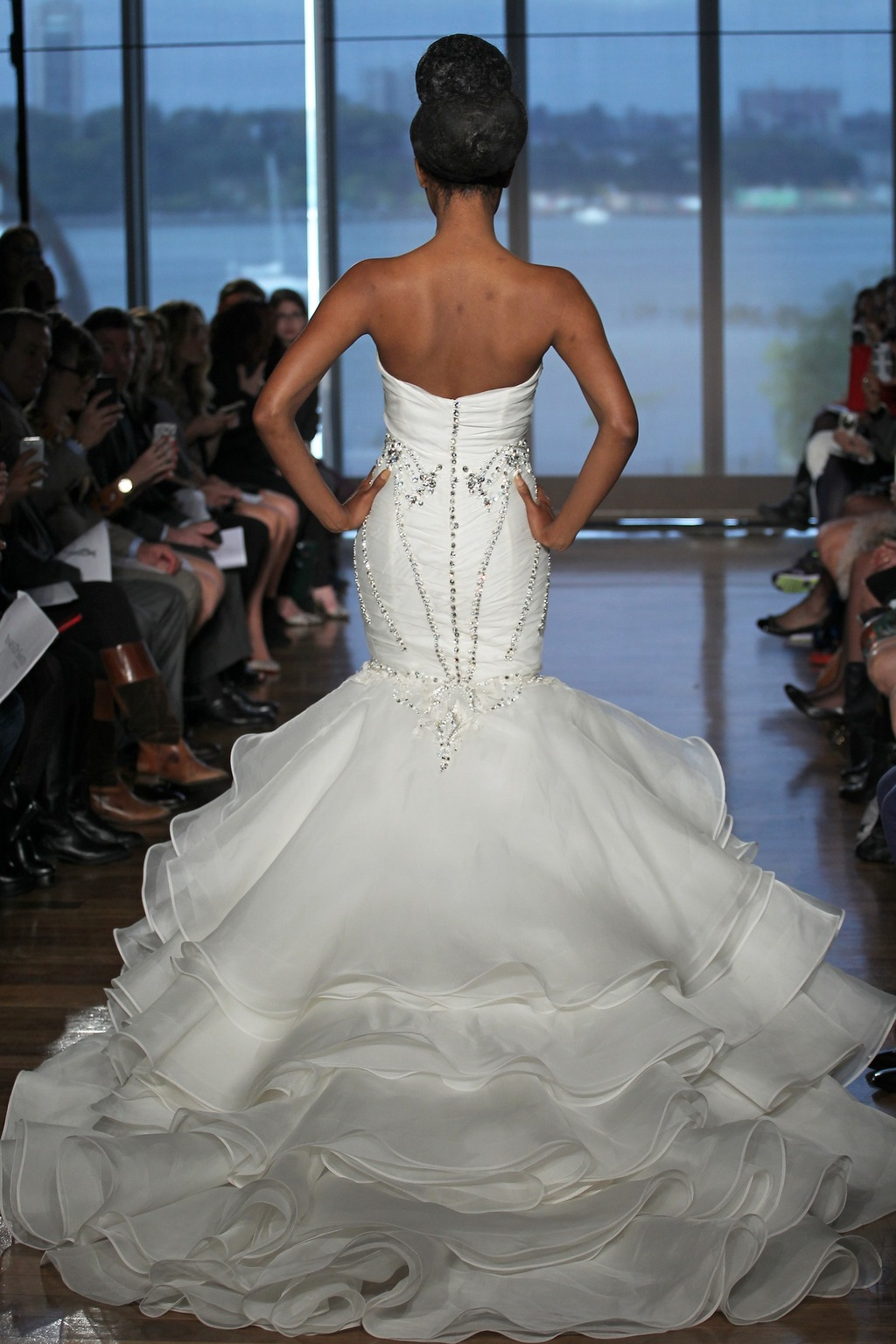 Aura_by_ines_di_santo_2014_couture_collection_2.full