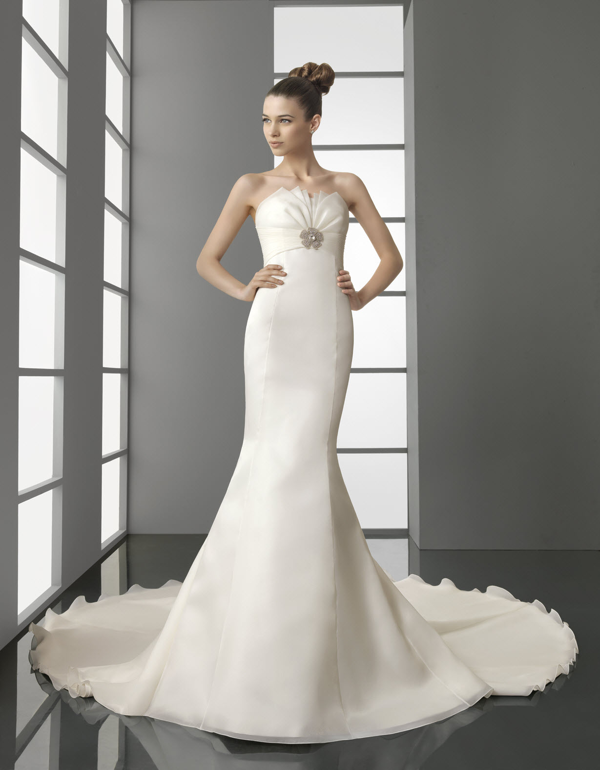 Ivory Lace Mermaid Wedding Dresses images