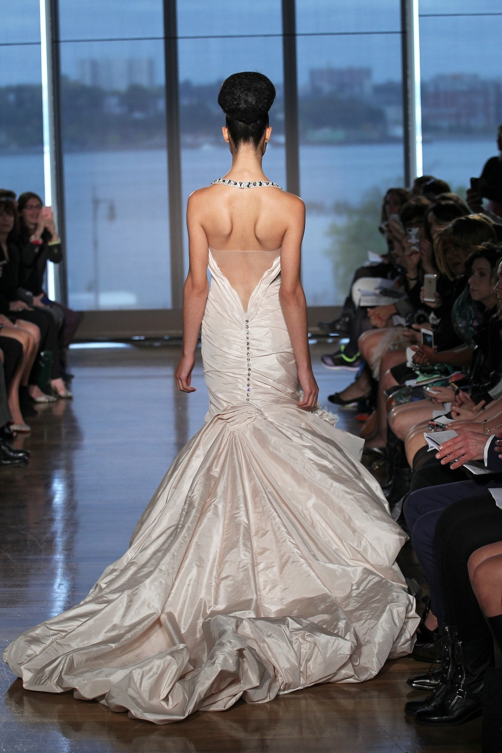 Rhea_by_ines_di_santo_2014_couture_collection_2.full