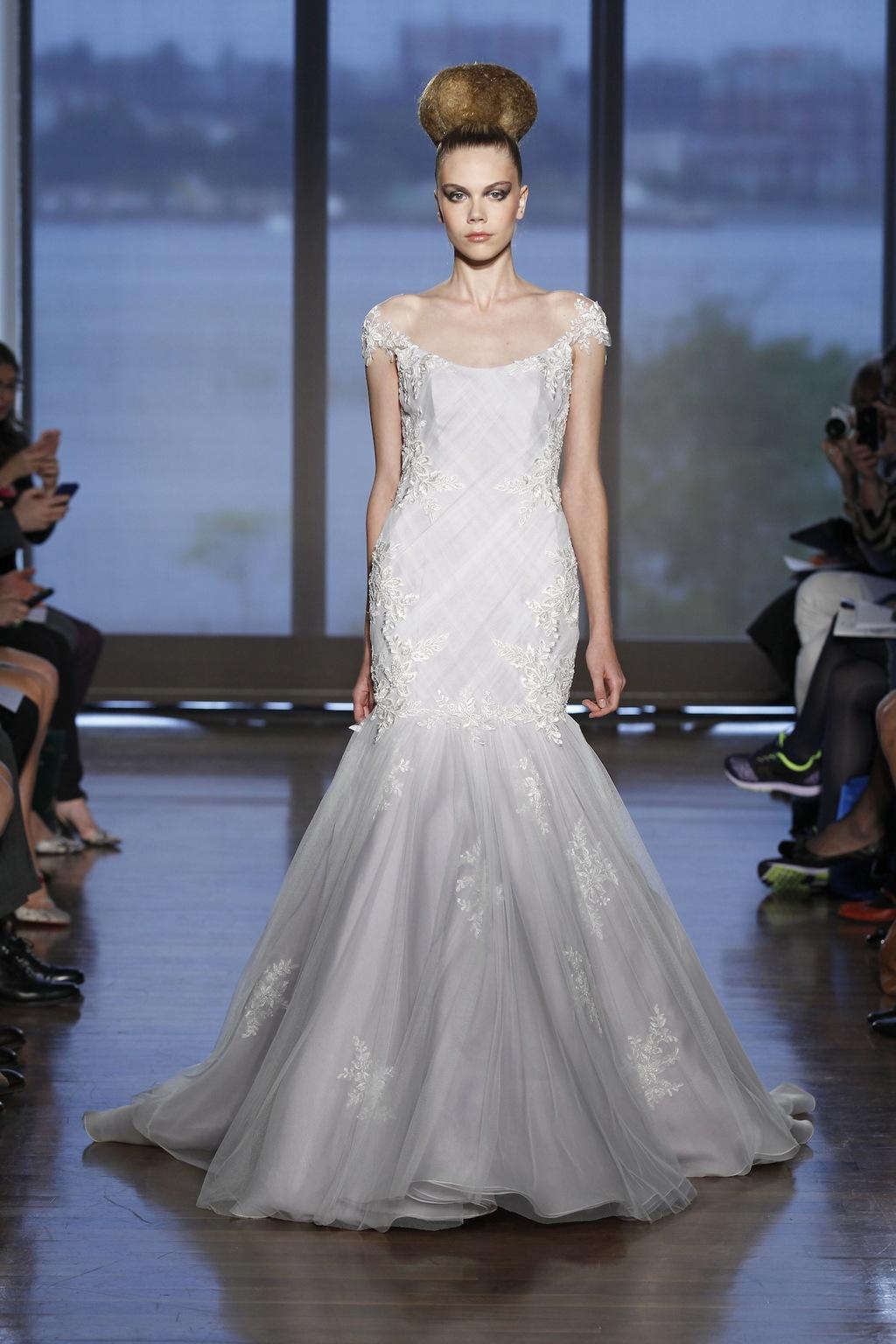 Beaded mermaid trumpet wedding dress for Beaded trumpet wedding dress
