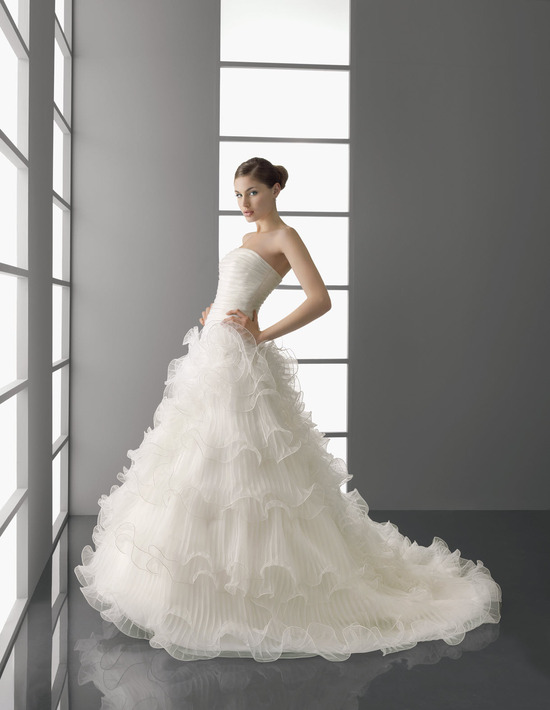 Dramatic ivory ballgown wedding dress from Aire Barcelona's Spring 2012 collection