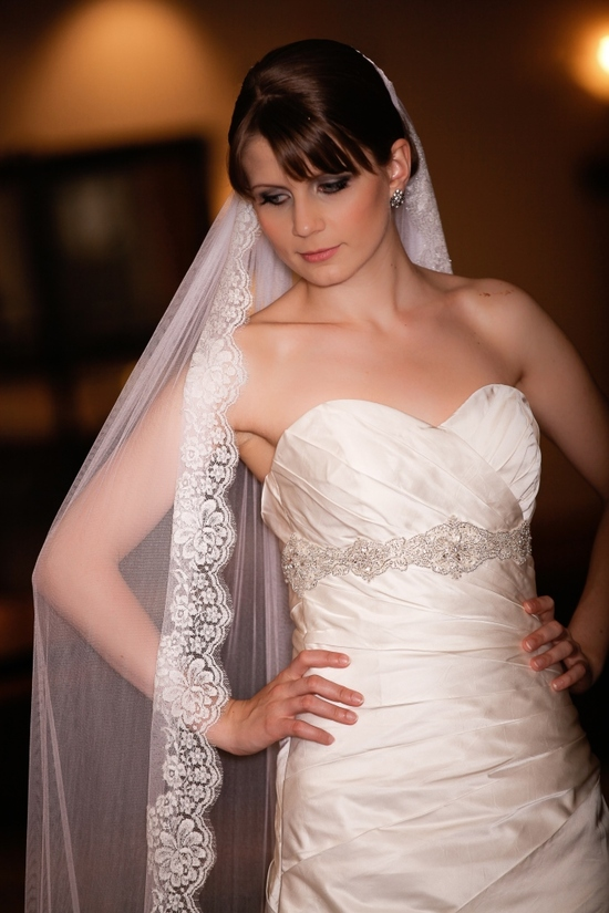CHARMAINE_silk_mantilla_wedding_veil_with_french_chantilly_lace(9)