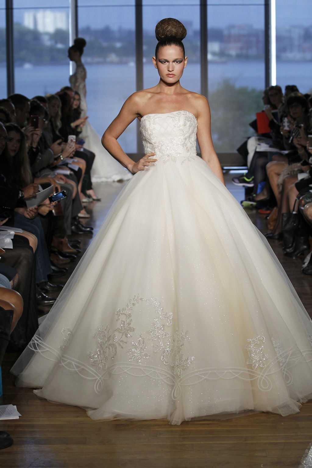 Halle_by_ines_di_santo_2014_couture_collection.full