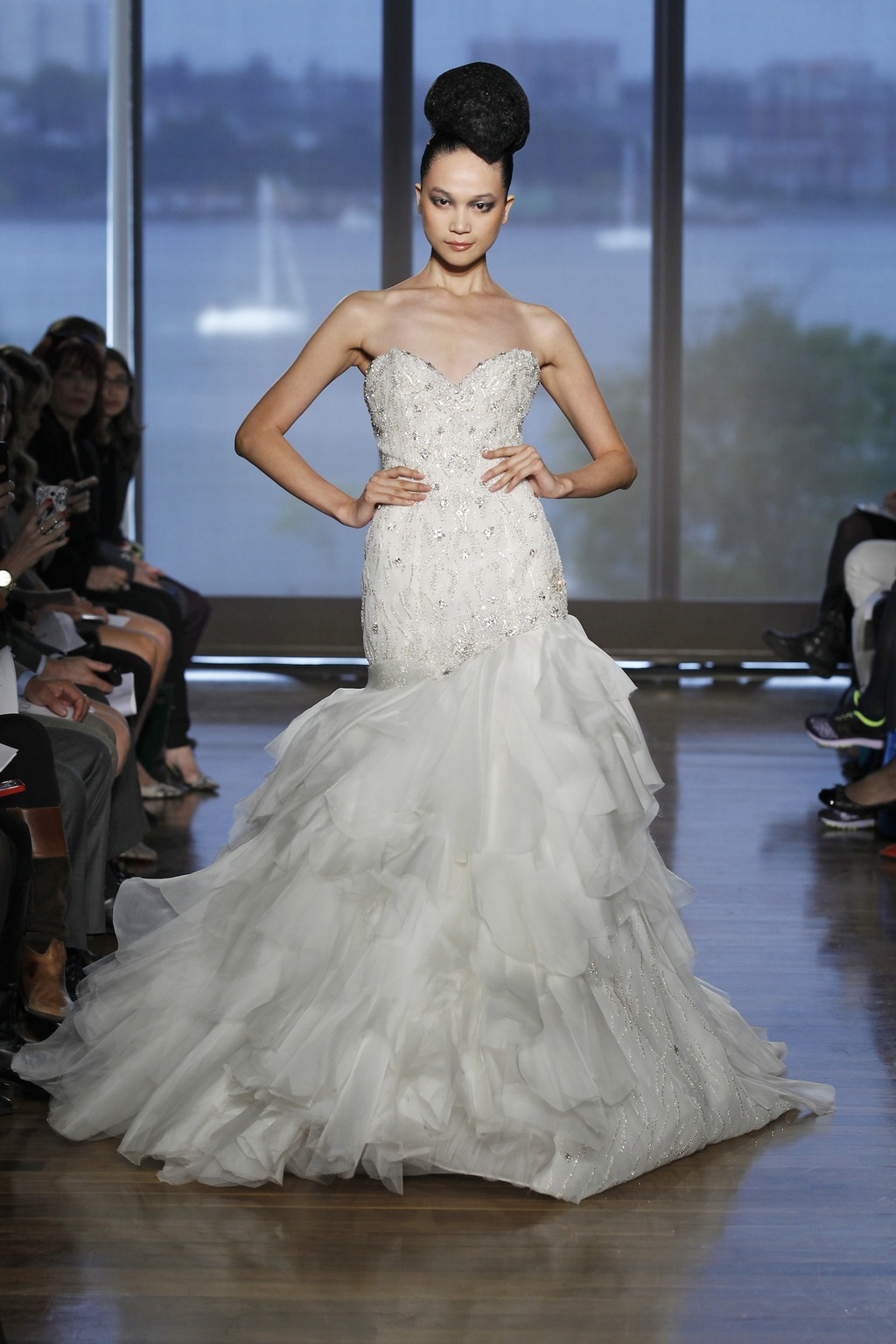 Leda_by_ines_di_santo_2014_couture_collection.full
