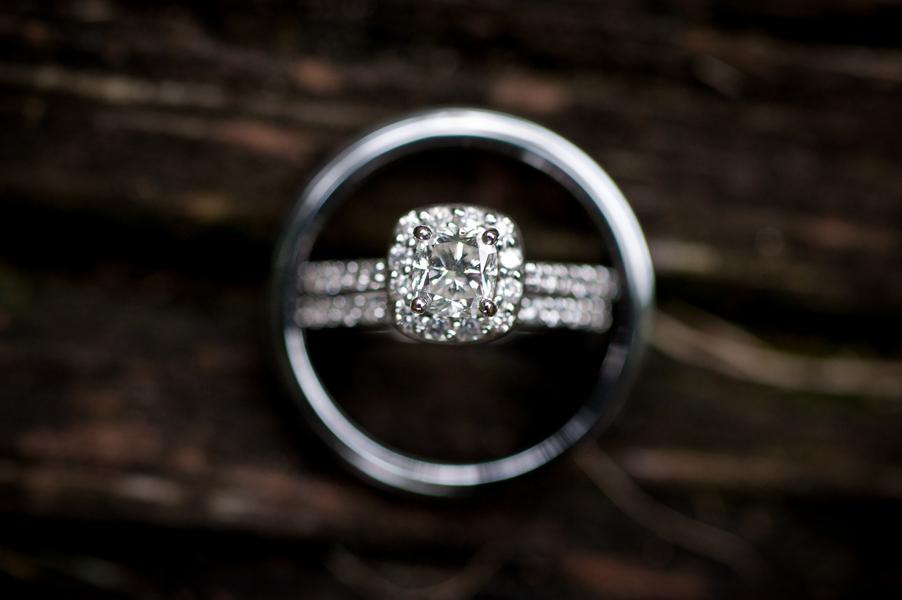 Wedding_ring_photo_on_wood_background.full