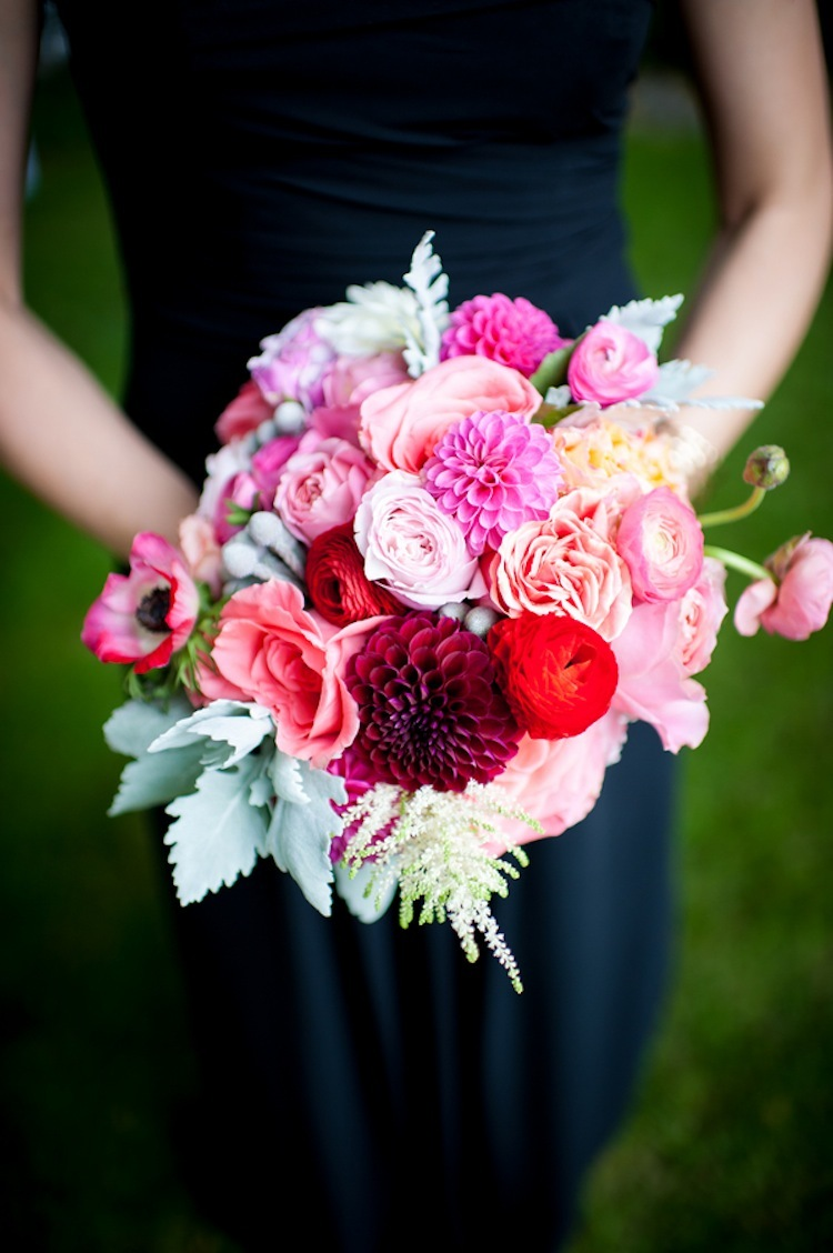 Bridesmaids_bouquet_in_bright_pinks.full